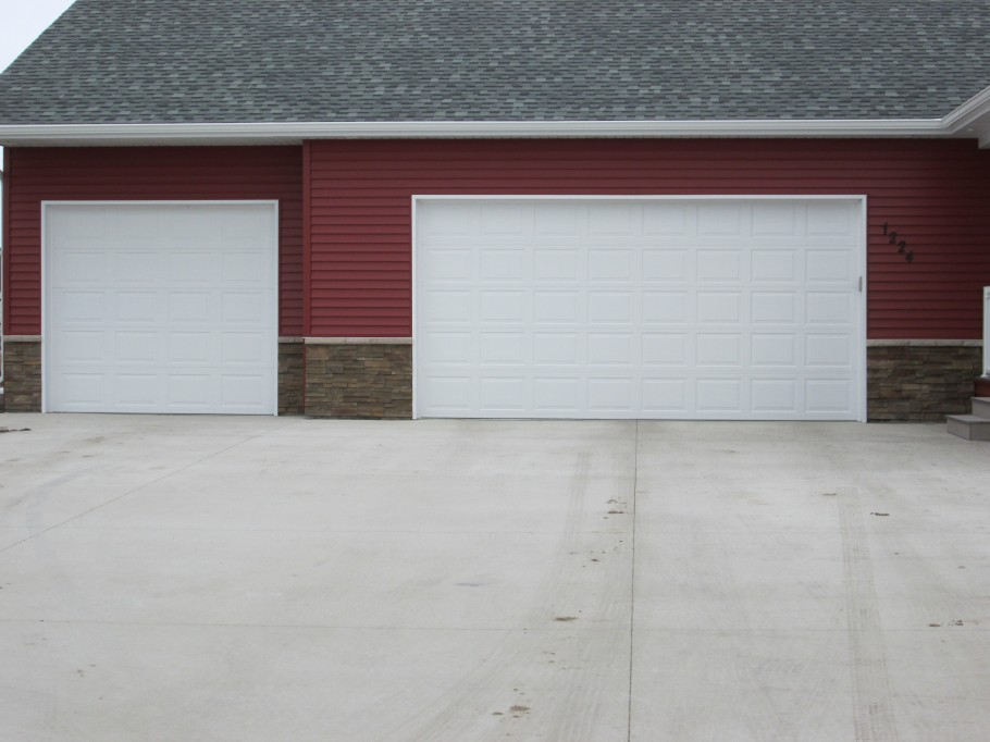 : clopay insulated garage doors