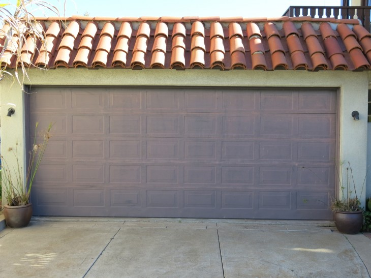 : insulated garage doors