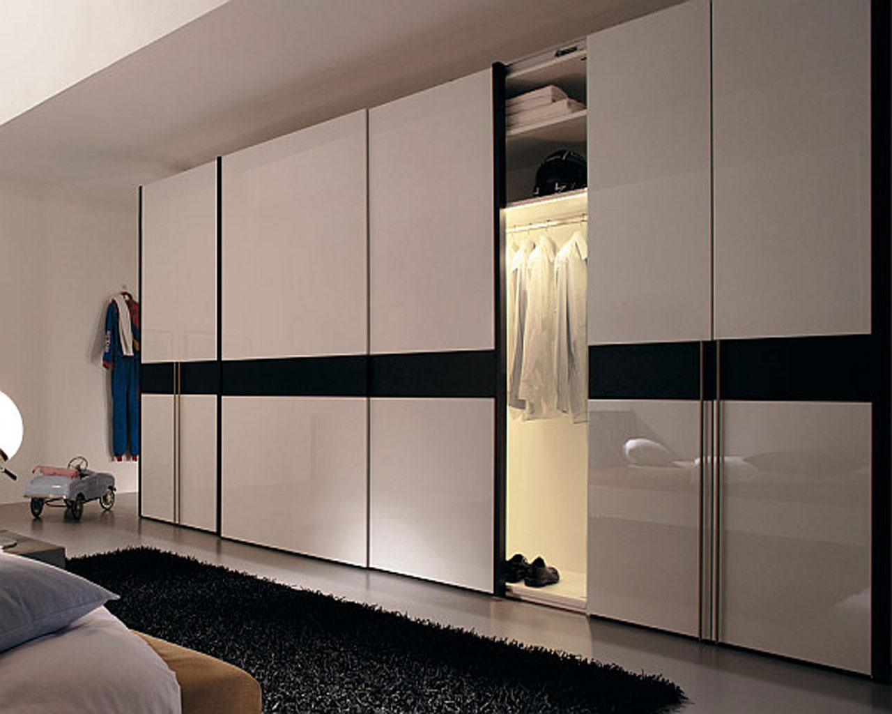 : wardrobes with sliding doors free standing
