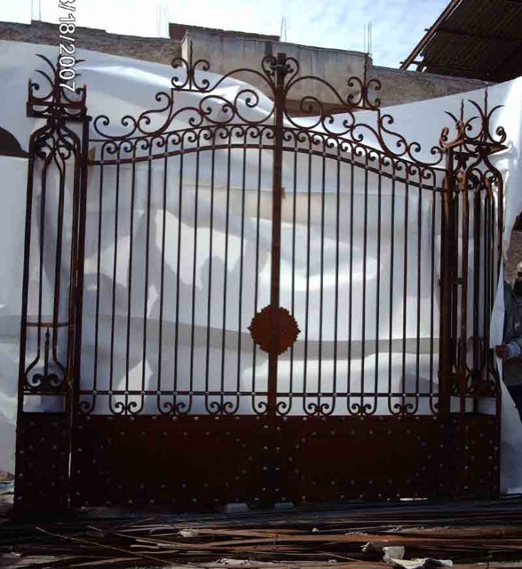 : wrought iron gates design awesome driveway gate plans