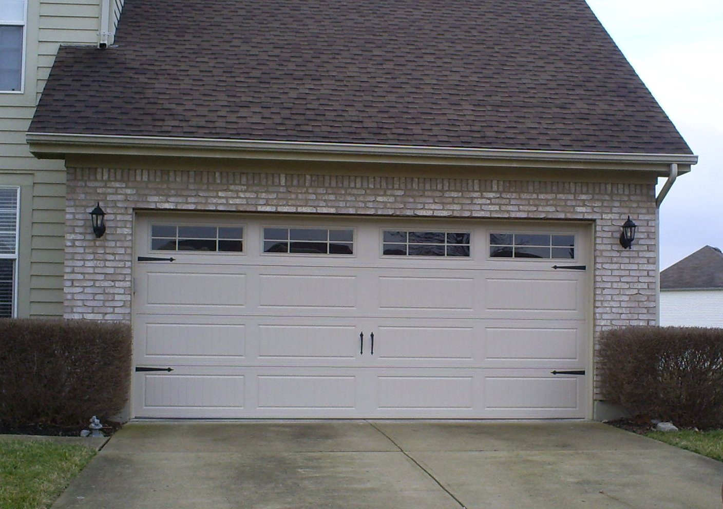 19 cool residential roll up garage doors ideas garage for Garage doors designs