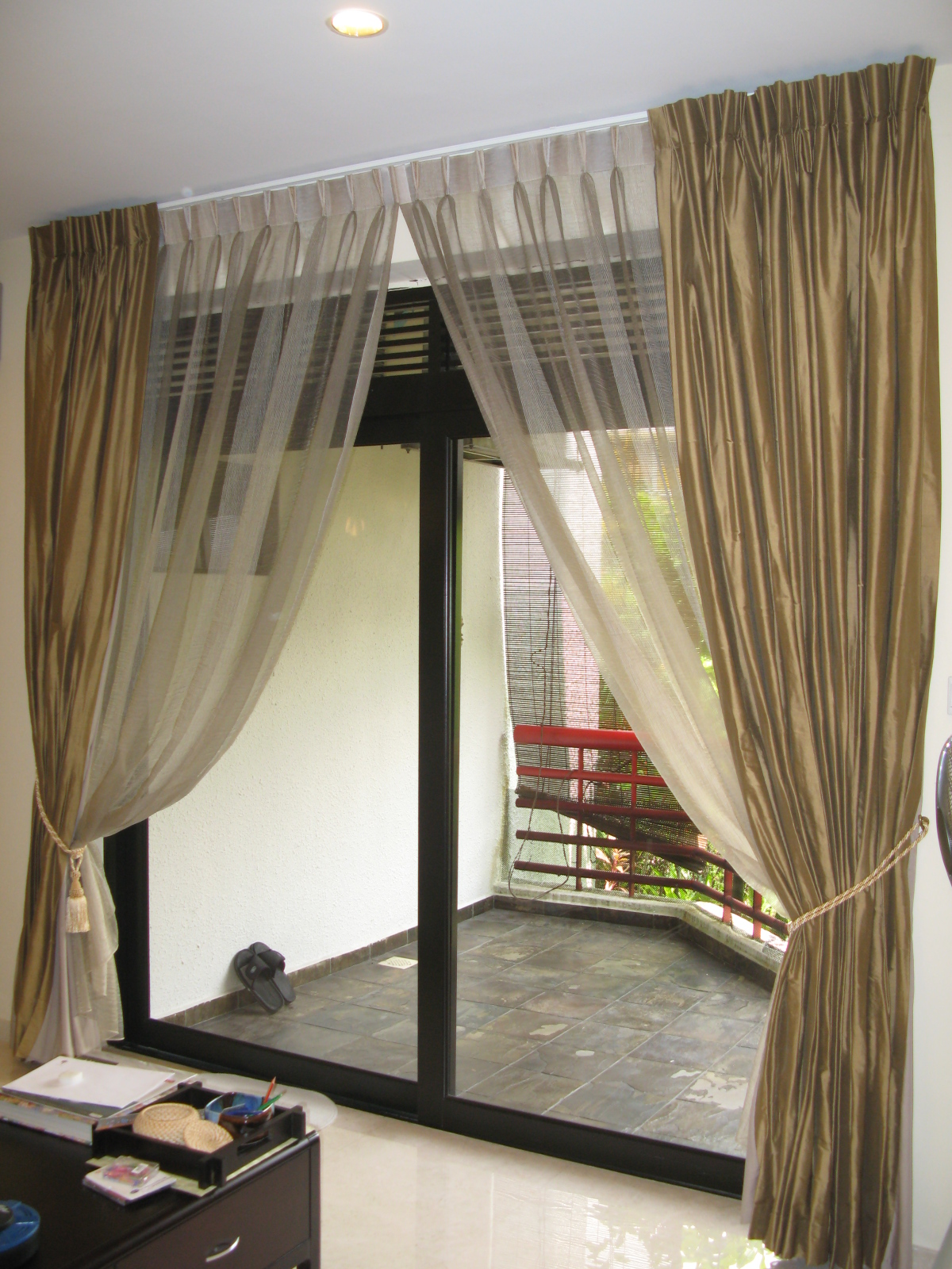 : Curtains For Patio Door Ideas And Design Heading To Patio Space With Modern Look Interior Living Room Design