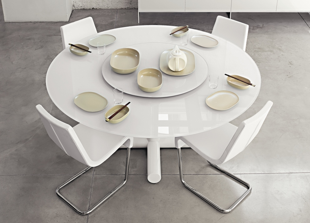 : contemporary round dining table