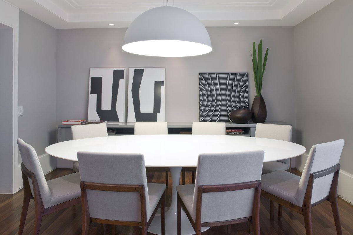 entrancing-contemporary-minimalist-dining-room-with-round-dining-table-set-with-h