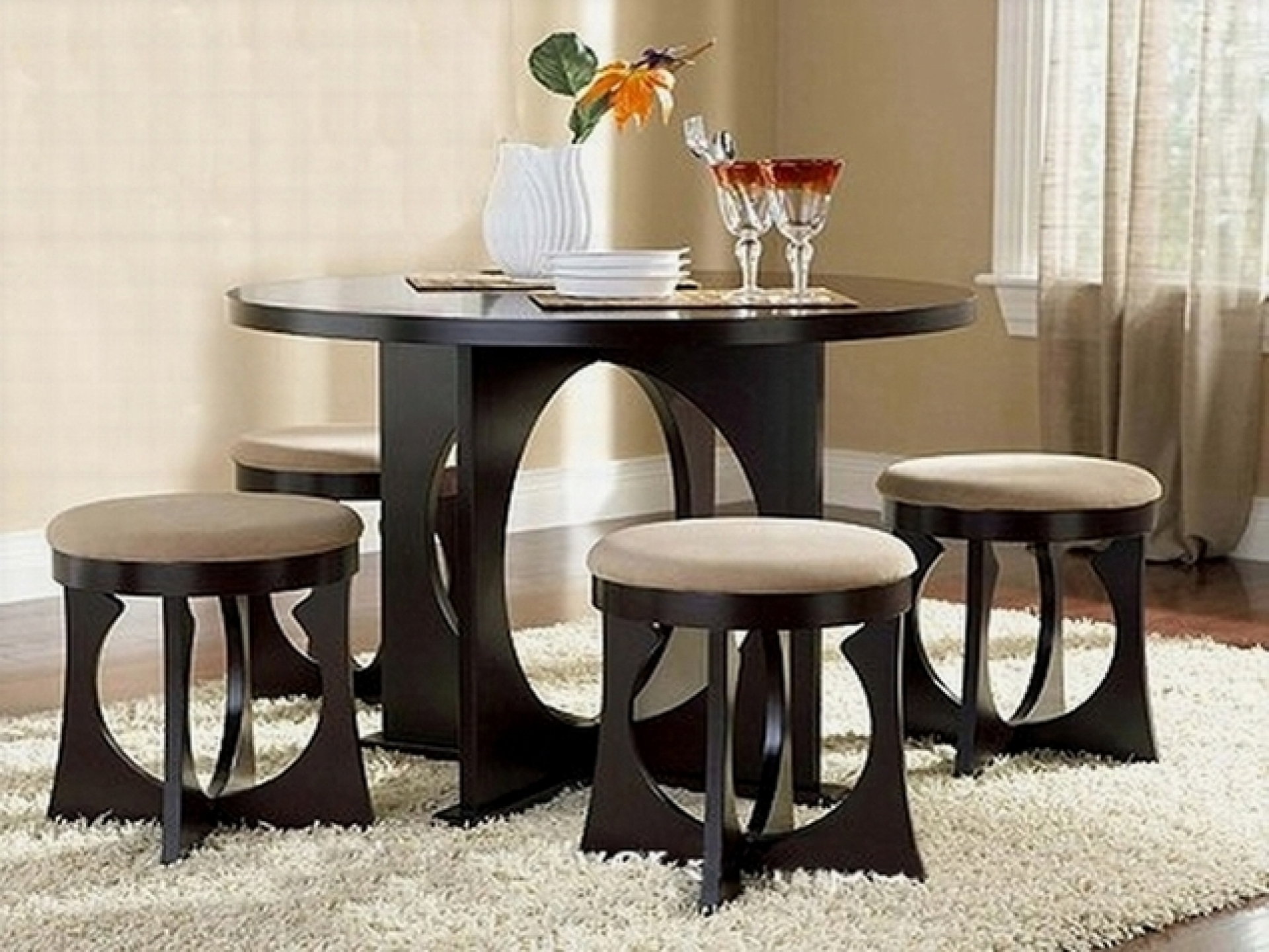 Surprising Round Dining Tables For Small Spaces Fresh