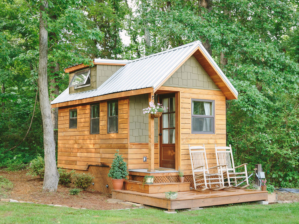: Banglo Style Tiny House Design