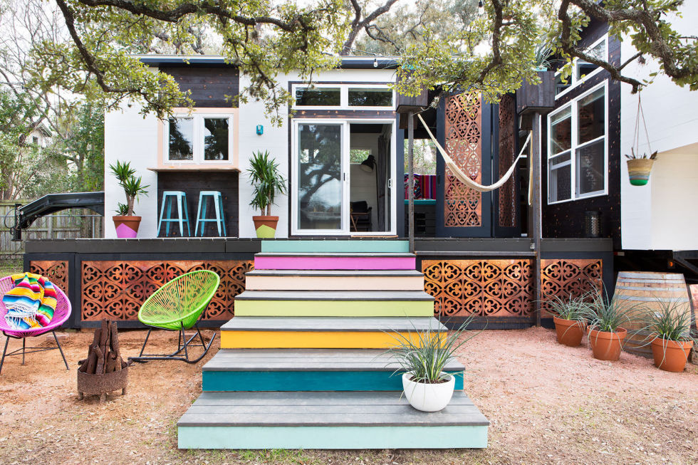 : Colourfull Tiny House Design