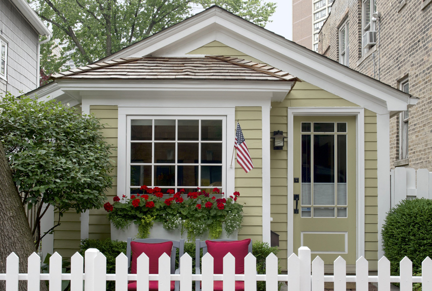 : Cozy Chicago Tiny House