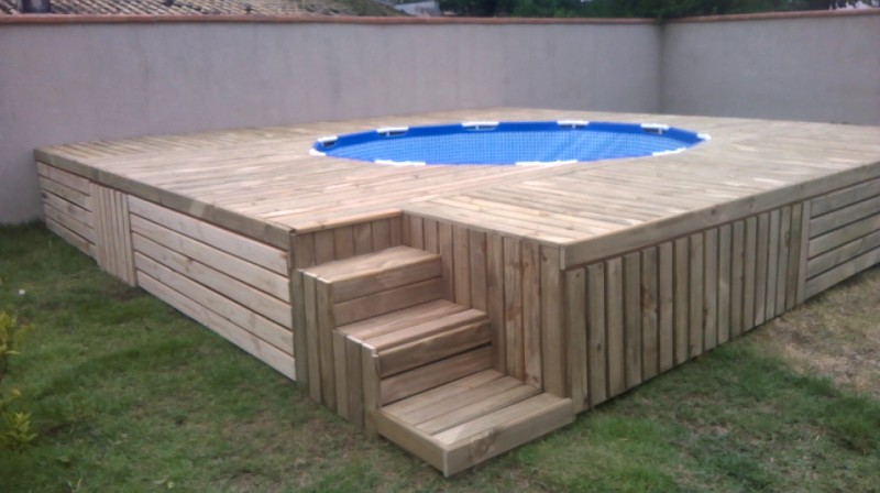 Diy backyard pallet swimming pool with stairs