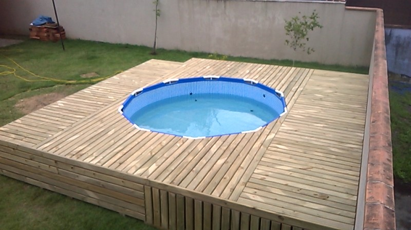 Pallet swimming pool diy project