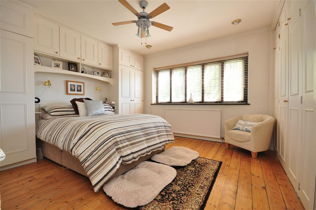 Fitted Wardrobes With Sliding Doors Design Ideas For Bedroom